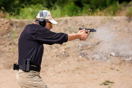 armed security training and personal protection training at bodyguard school